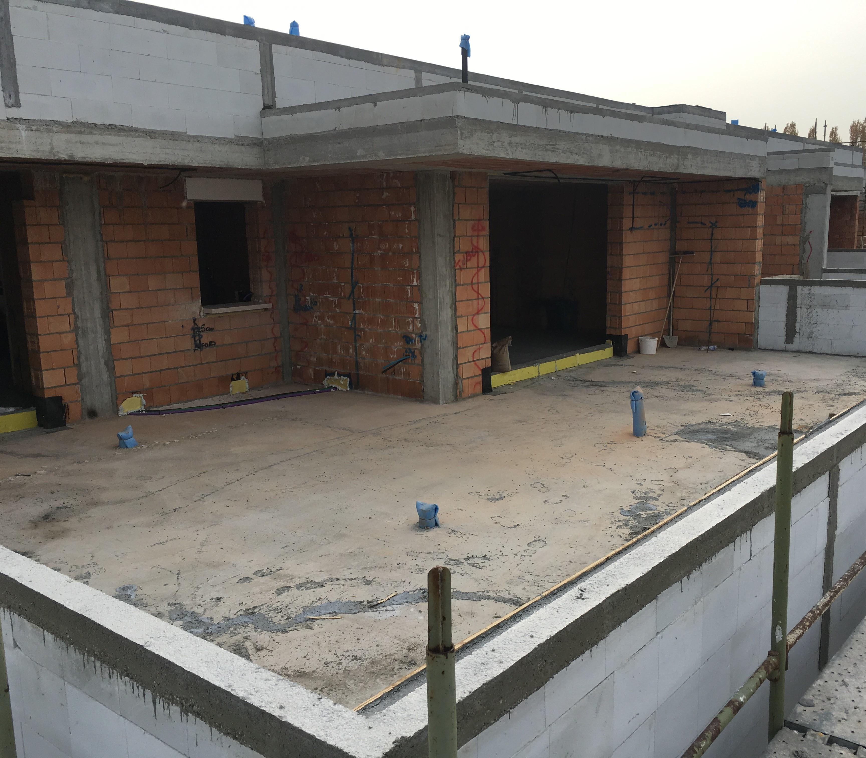 Inizio coibentazione terrazzo attico - Residenze 7.7